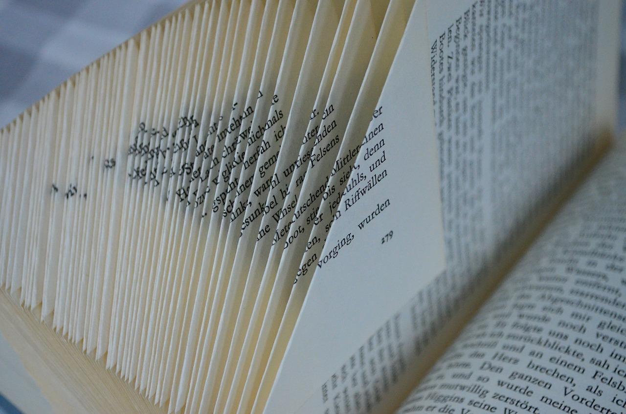 book-375458_1280
